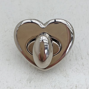 Hjärtformat väsklås, silver