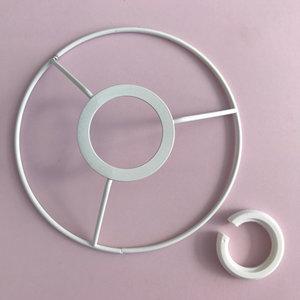 Metallring för användning med lampsockel, 20 cm, vit