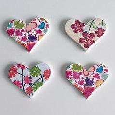 Träknappar - hjärtformade med sippor/hjärtan