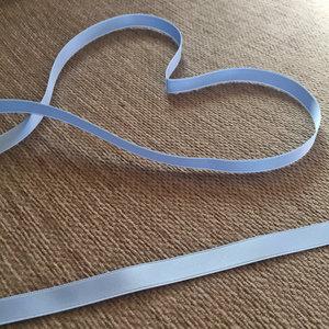 Satinband 10 mm, ljusblå, 150 cm långt