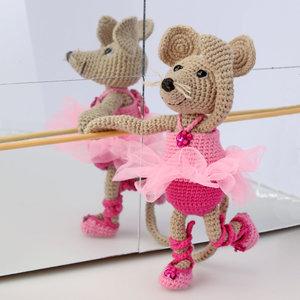 Balettmusen Emily